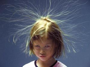 electricite statique cheveux